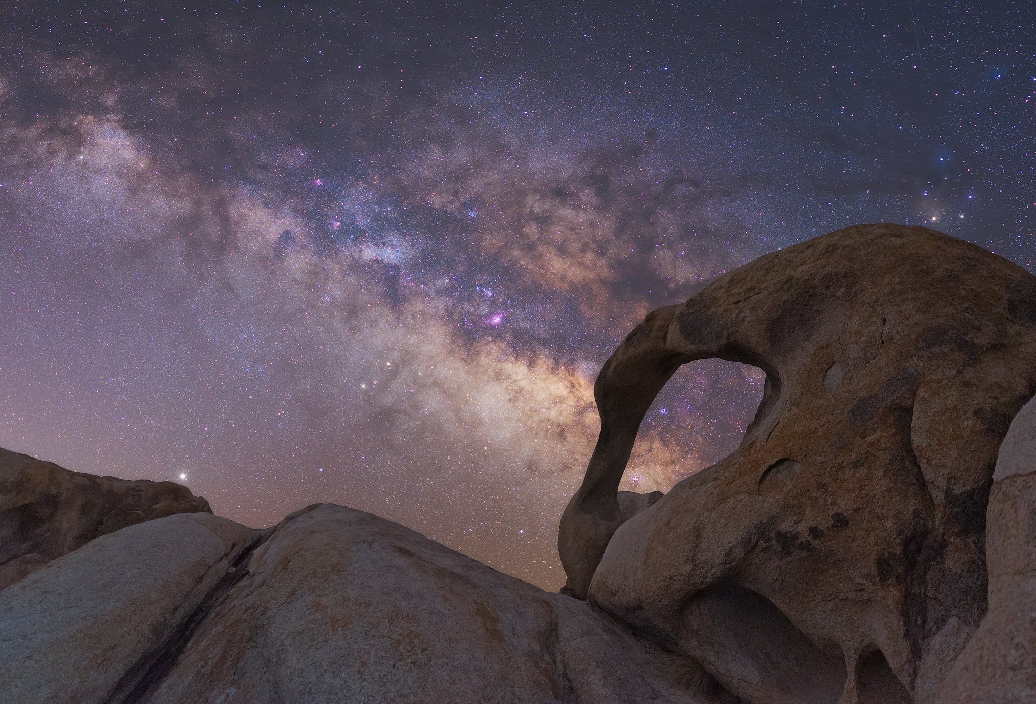 The Milky Wats sets over Mobius Arch in Alabama Hills, California.
